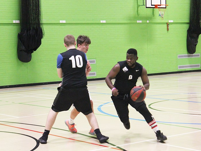 Parent Student Loans >> Basketball team shoots high at Tameside College