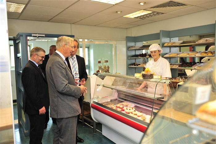 HRH visits the Bakery shop