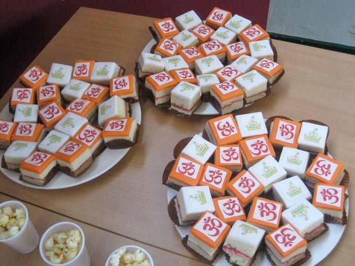 Eid & Diwali Celebration cakes