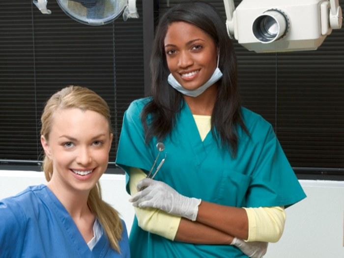 Nursing School Online >> Career in Dental Nursing?