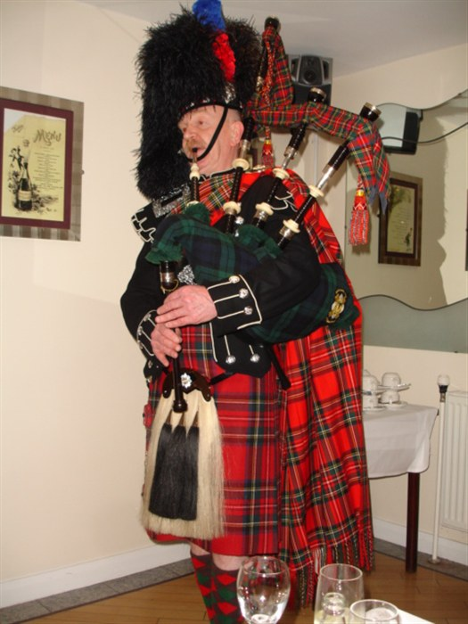 Patrick Jones wows audience with bagpipes