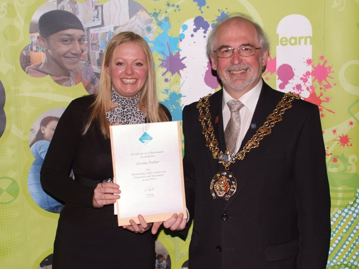 Jessika Parker collecting her certificate