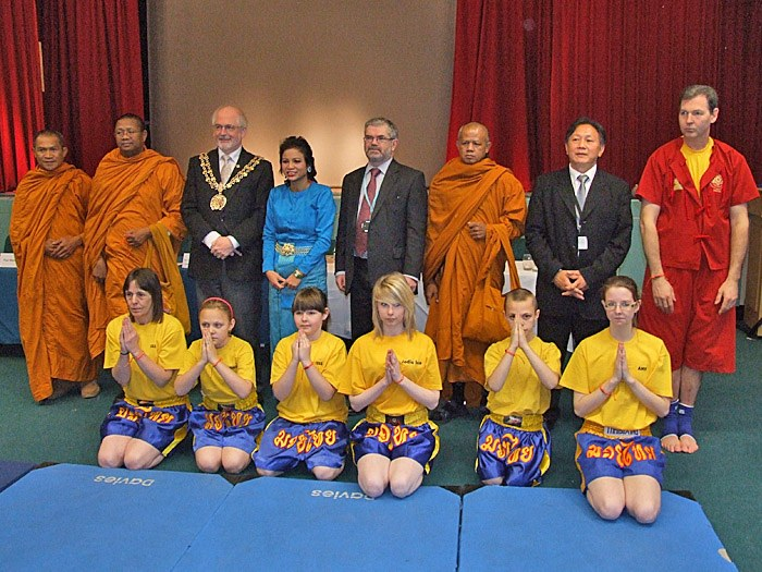 The Principal and the Mayor with the Thai monks and Thai boxers